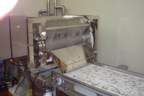 異物除去作業の自動化で負担を削減