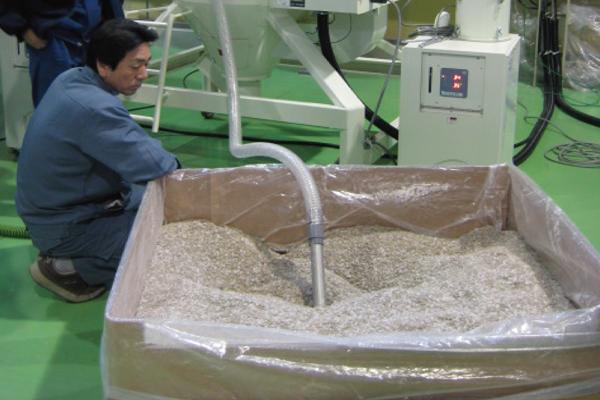 原料の計量・混合作業を1/10に大幅時短