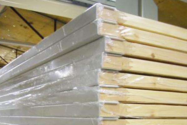 板状製品の傷や角潰れ防止